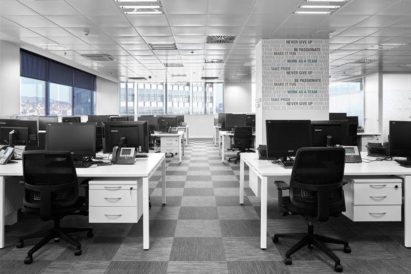 Reformas de oficinas delegaciones barcelona y madrid for Reformas de oficinas
